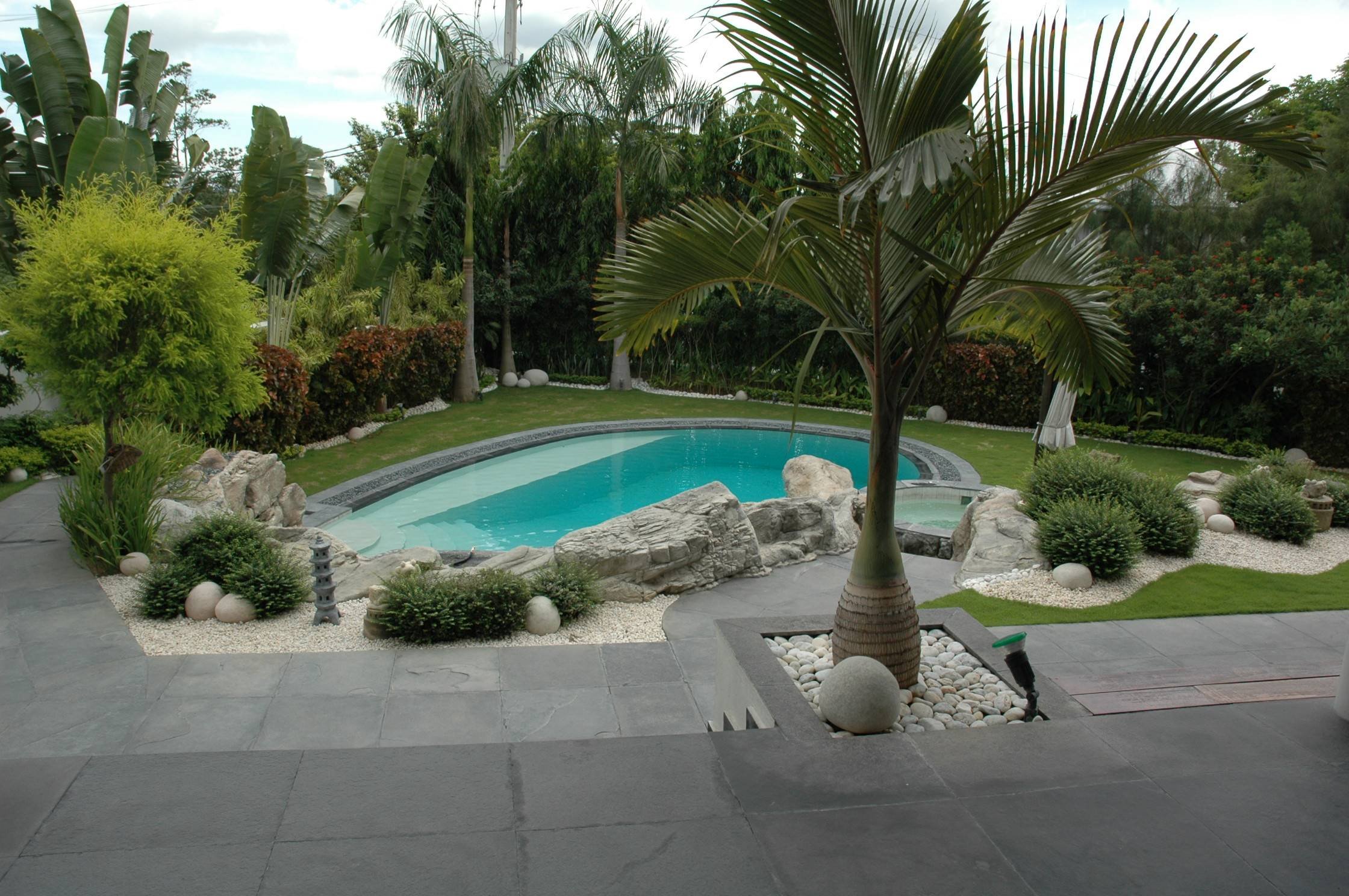 Garden with pool home design elements for Landscape gardeners poole